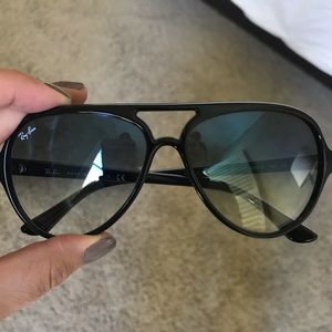 Black Ray-Ban Cats 5000